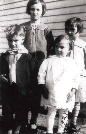 Judge Barthold with her siblings in 1929; Eva and Tiny in the back, Joe and Ida in front.